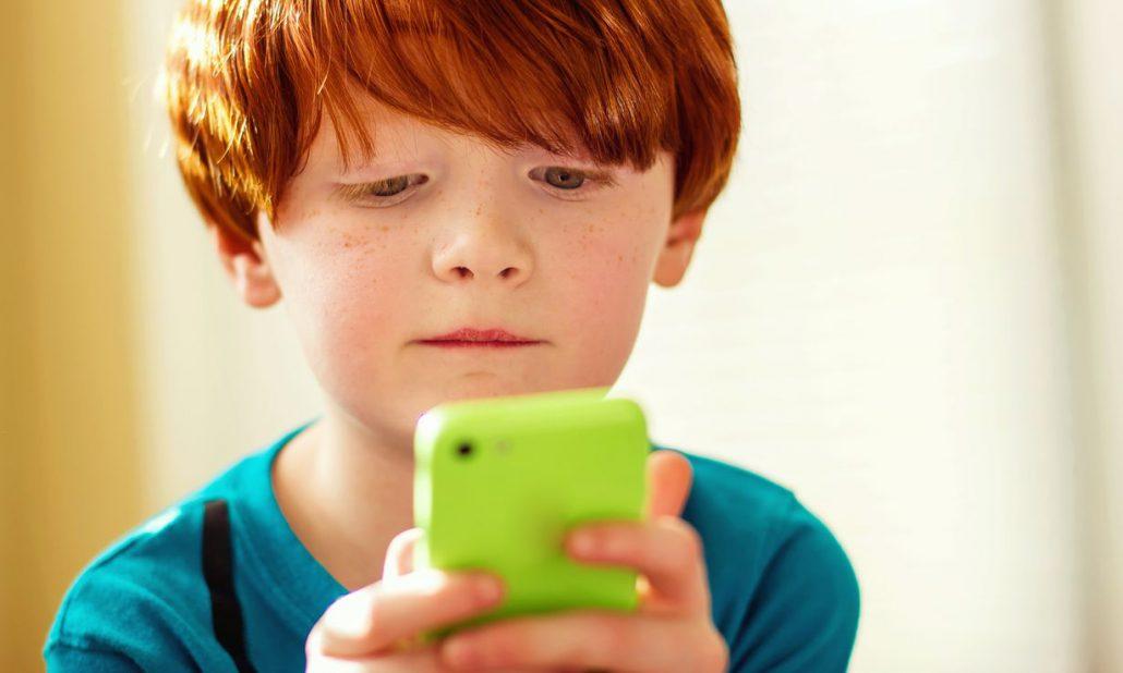 kinderen-mobiele-telefoon